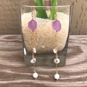 Jewelry - Puka shell and frosted glass earrings